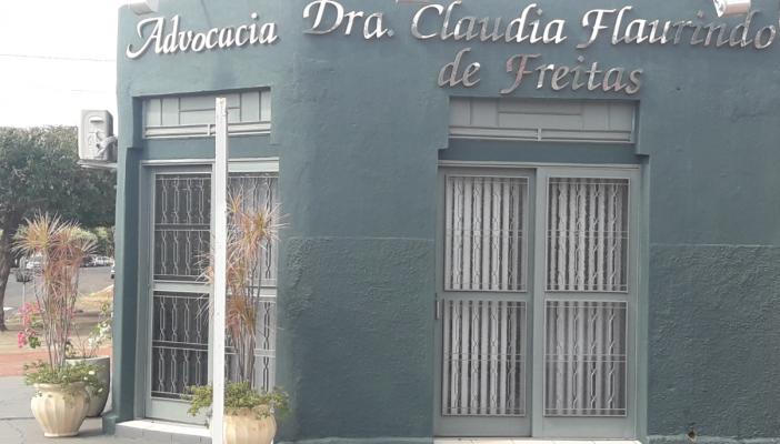 advogada-claudia-flaurindo3